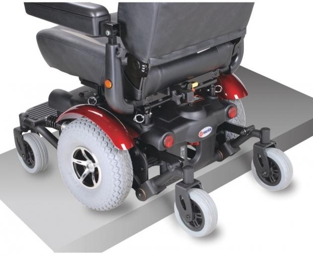 P327 中輪驅動型電動輪椅 2
